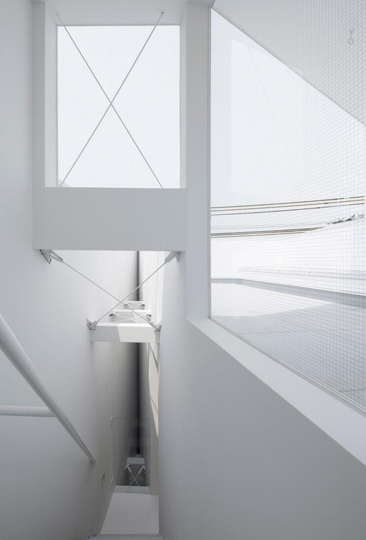 House in Tamatsu Kenji Architectural Studio © Yohei Sasakura01 Est Magazine