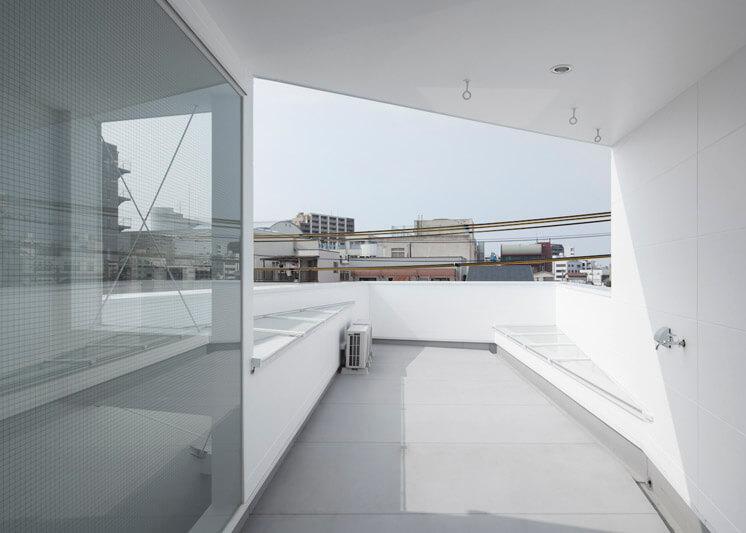 House in Tamatsu Kenji Architectural Studio © Yohei Sasakura04 Est Magazine