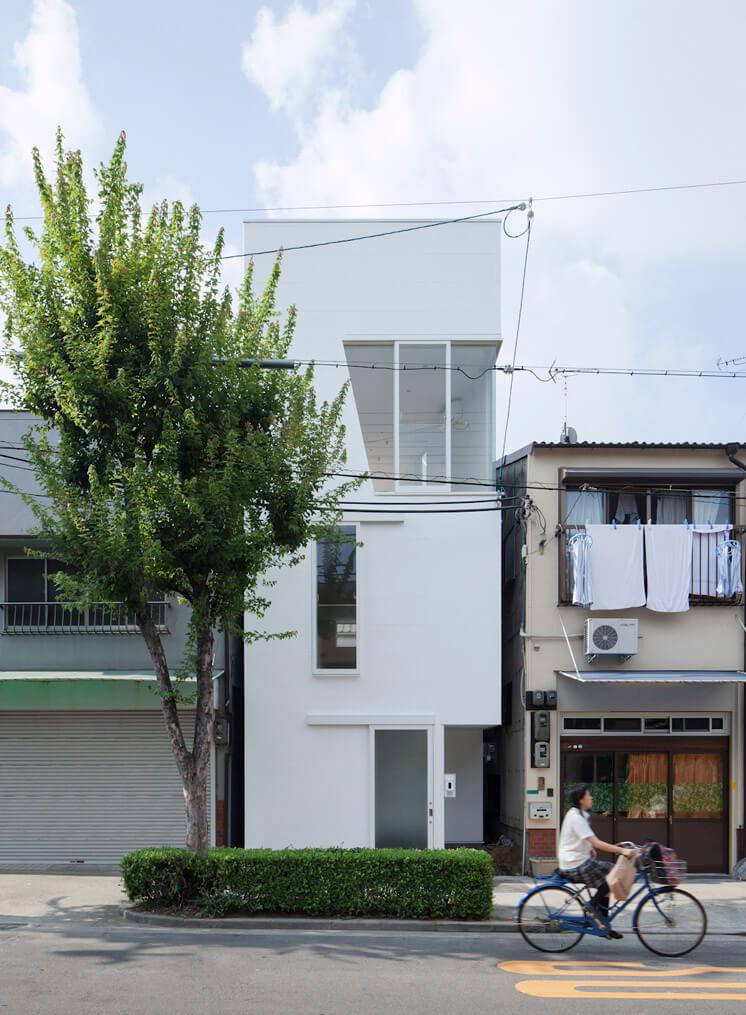 House in Tamatsu Kenji Architectural Studio © Yohei Sasakura08 Est Magazine