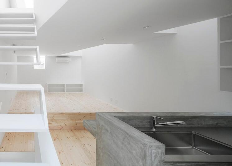 House in Tamatsu Kenji Architectural Studio © Yohei Sasakura10 Est Magazine
