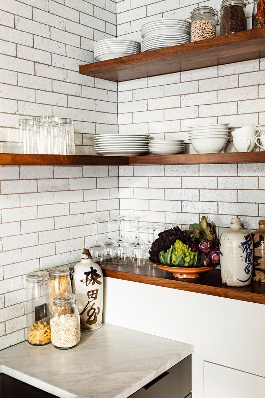 Jessica Helgerson Interior Design Portland Loft Kitchen Shelves © Lincoln Barbour 1 Est Magazine