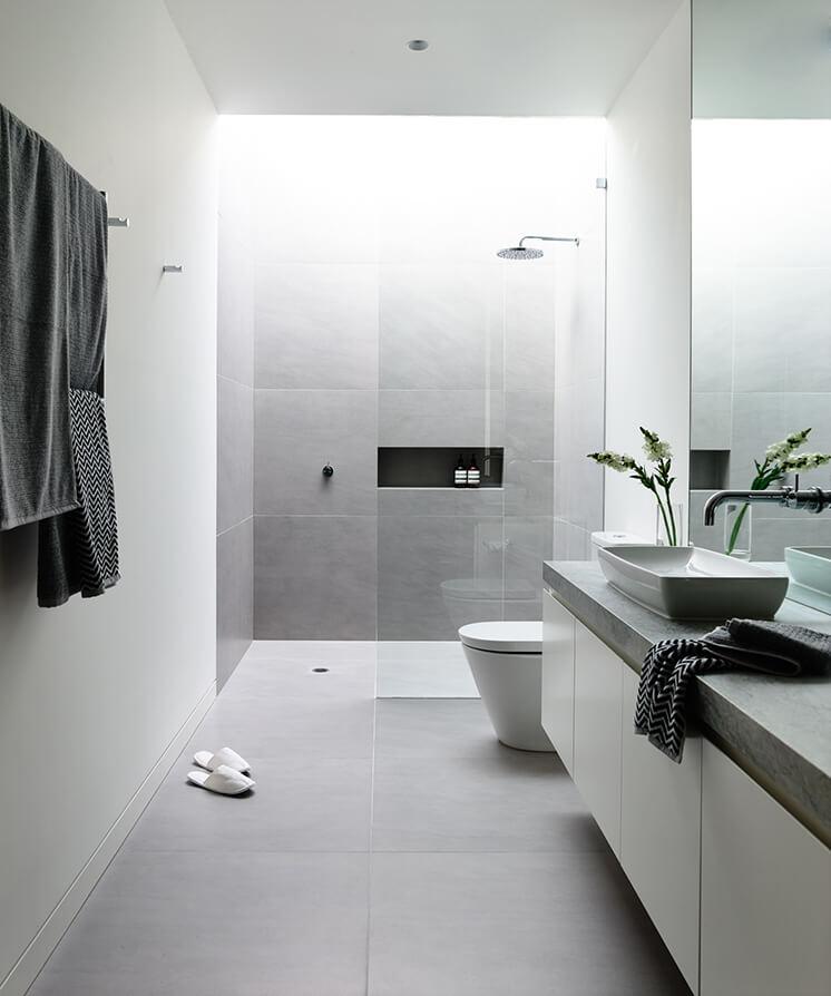 Lubelso Main Bathroom Shower PostImage