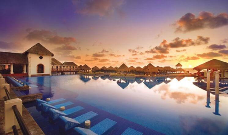 Now Sapphire Paradisus Cancun Pool PostImage
