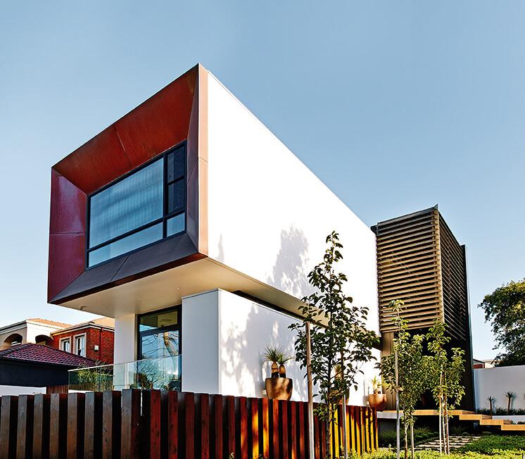 Rogerseller Home Exterior Front PostImage1