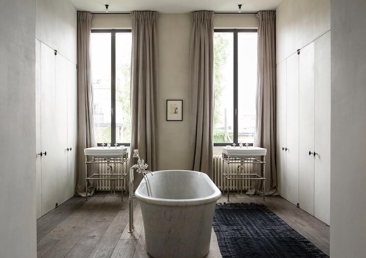 Est Magazine Graanmarkt13 Apartment bathroom Frederik Vercruysse 02