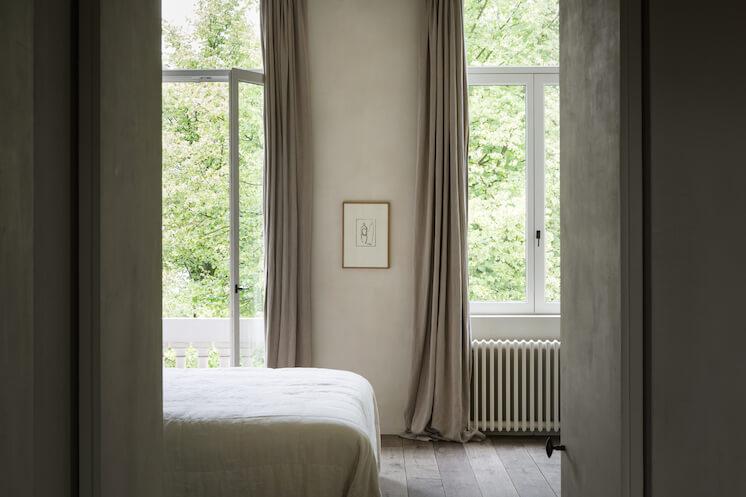Est Magazine Graanmarkt13 Apartment bed Frederik Vercruysse