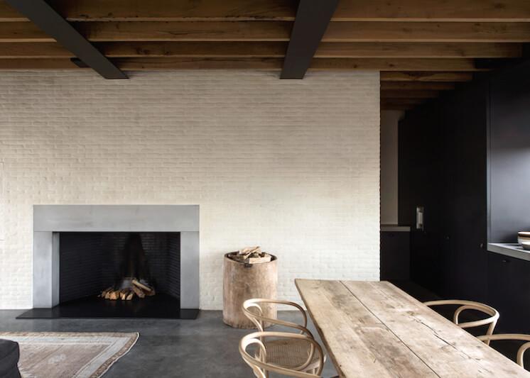 Est-Magazine-Graanmarkt13-Apartment-dining-Frederik-Vercruysse