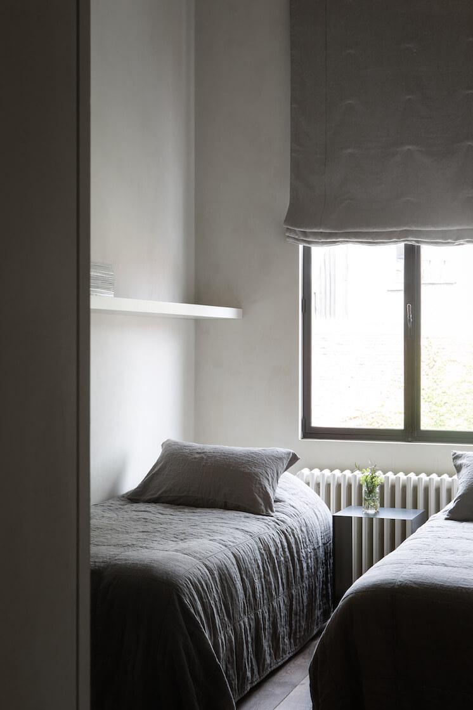 Est Magazine Graanmarkt13 Apartment guest bedroom Frederik Vercruysse