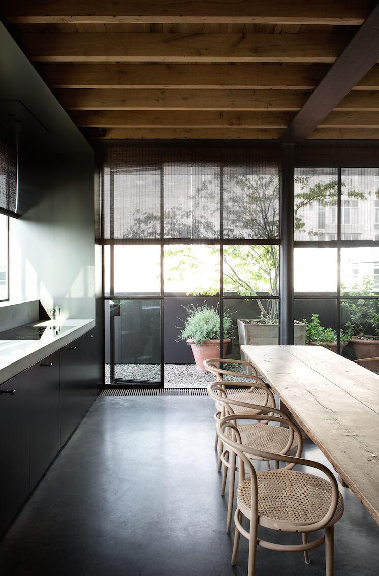 Est Magazine Graanmarkt13 Apartment kitchen Frederik Vercruysse 02