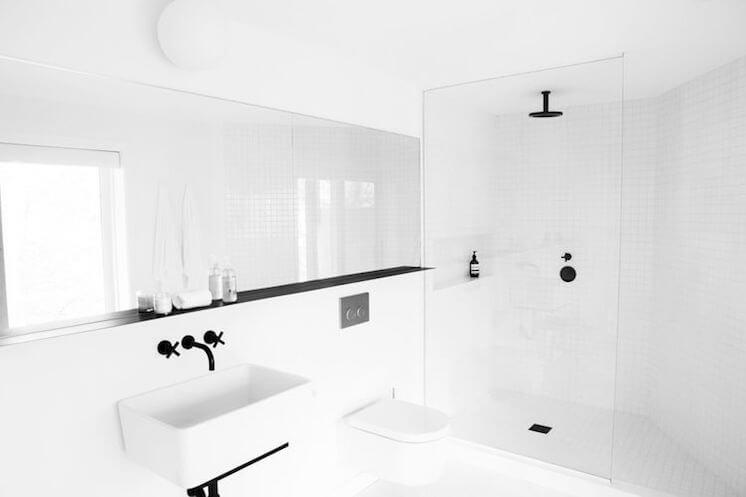 Est Magazine Red Dirt Rd bathroom Hamptons NY Amee Allsop Glen 02