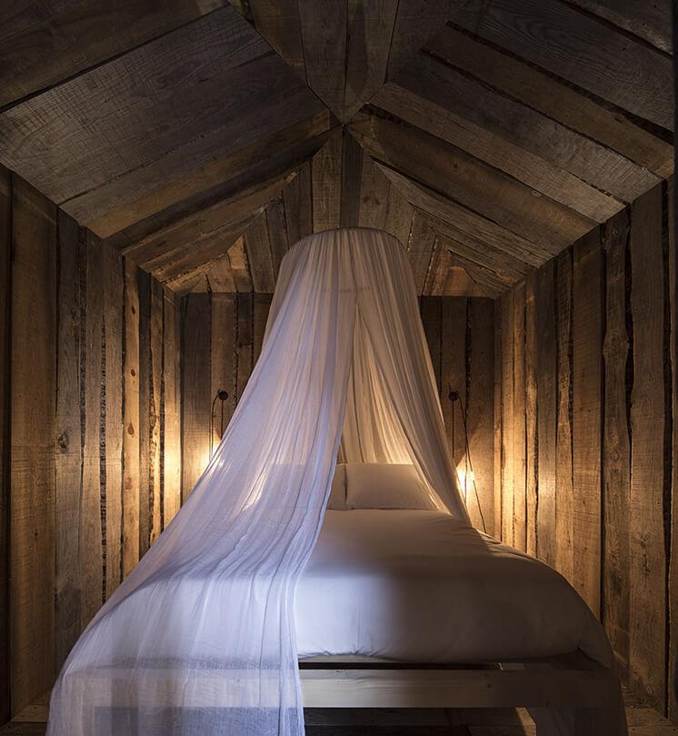 Est Magazine Cabanas No Rio Bed