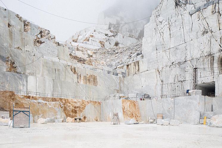 Est Magazine Carrara exterior kor30 b90 corrMP1