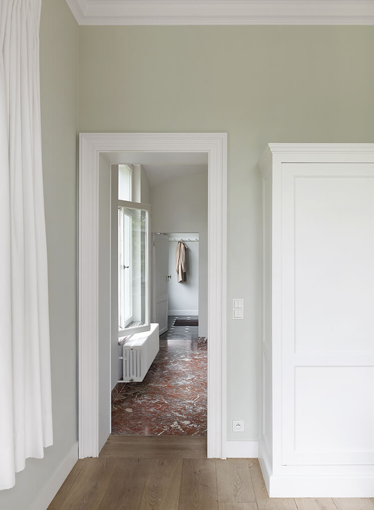Est Magazine Portrait of a House Curtain