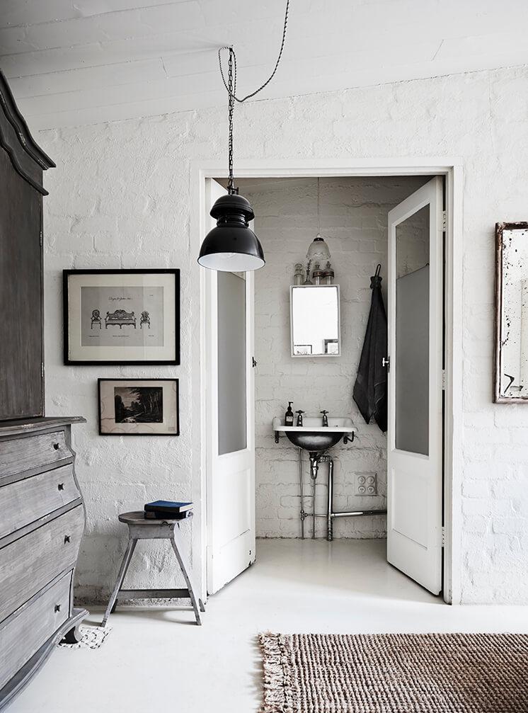 Est Magazine White Room7