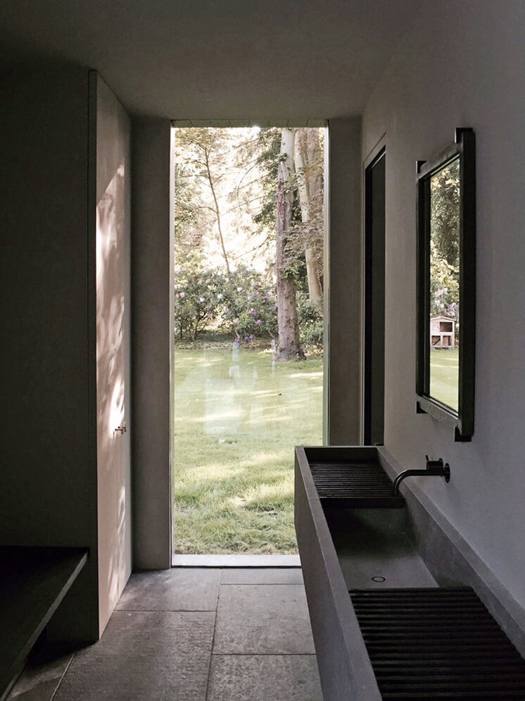 Est Magazine Pool House MMD4