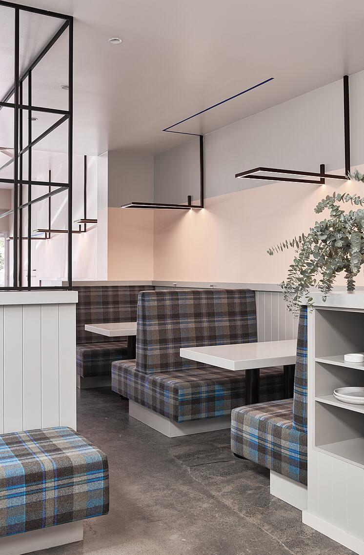 Astroluxe Cafe est living03