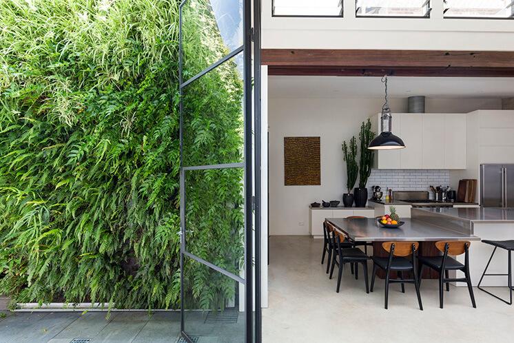 Est Living Open House Rozelle.Garden