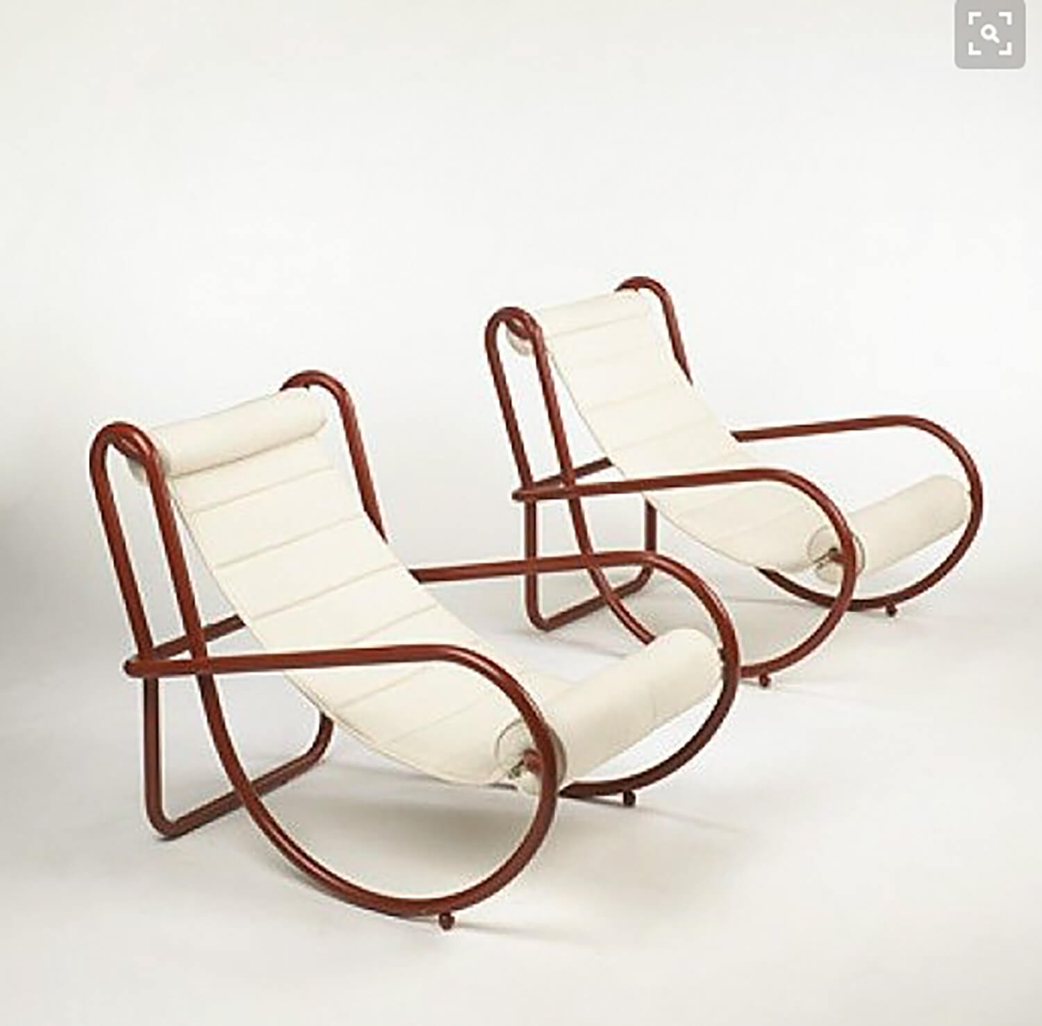 Est-Living-Style-Hunter-Arent&Pyke-Locus-Solus-Chairs