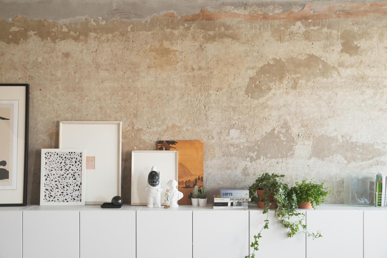 est living concrete ceiling apartment crosby studios.14
