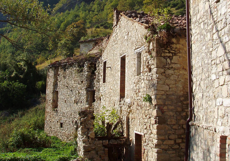 est living poggio santa cecila estate tuscan village.09