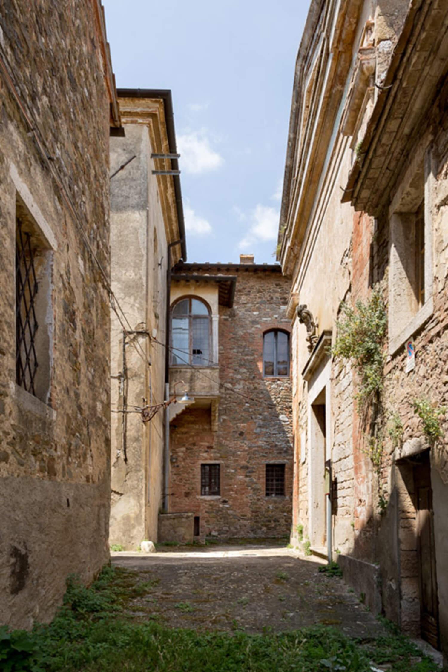 est living poggio santa cecila estate tuscan village.19
