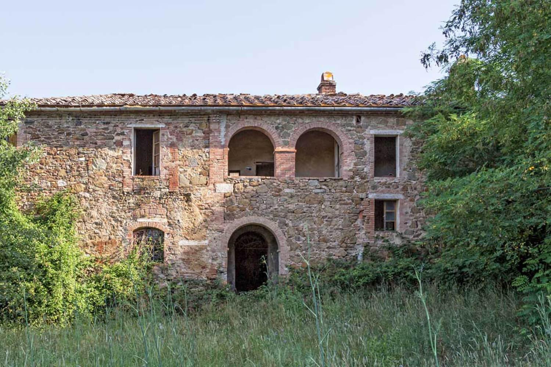 est living poggio santa cecila estate tuscan village.26