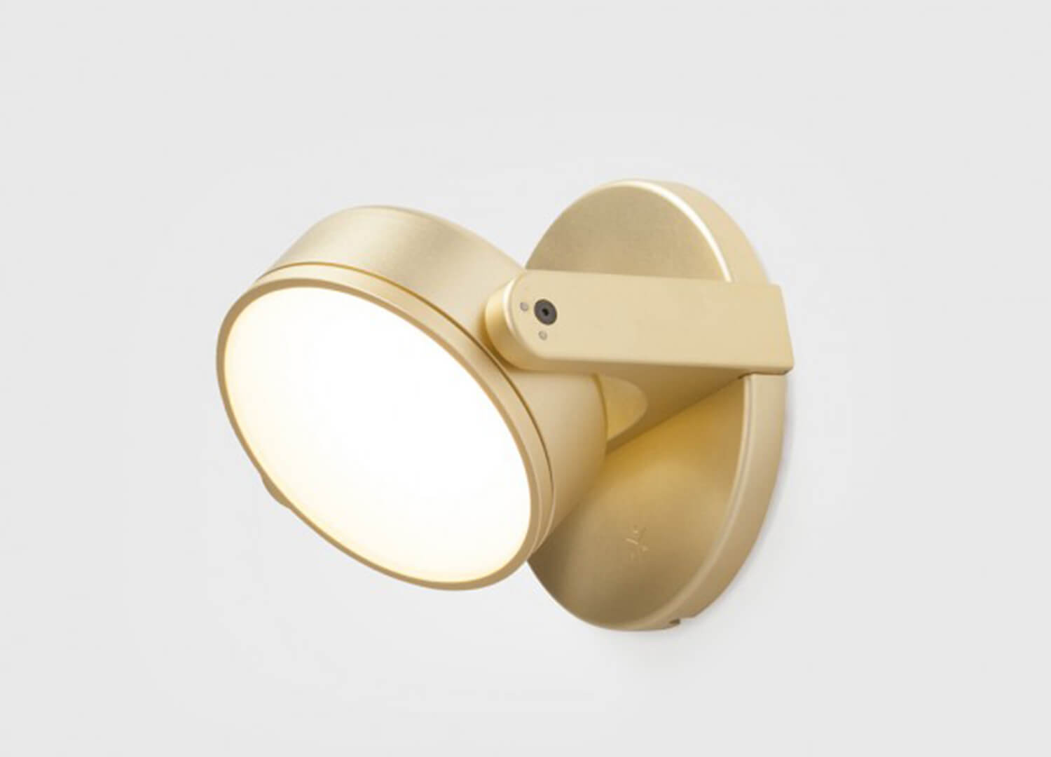 est living rich brilliant willing monocle living edge wall light