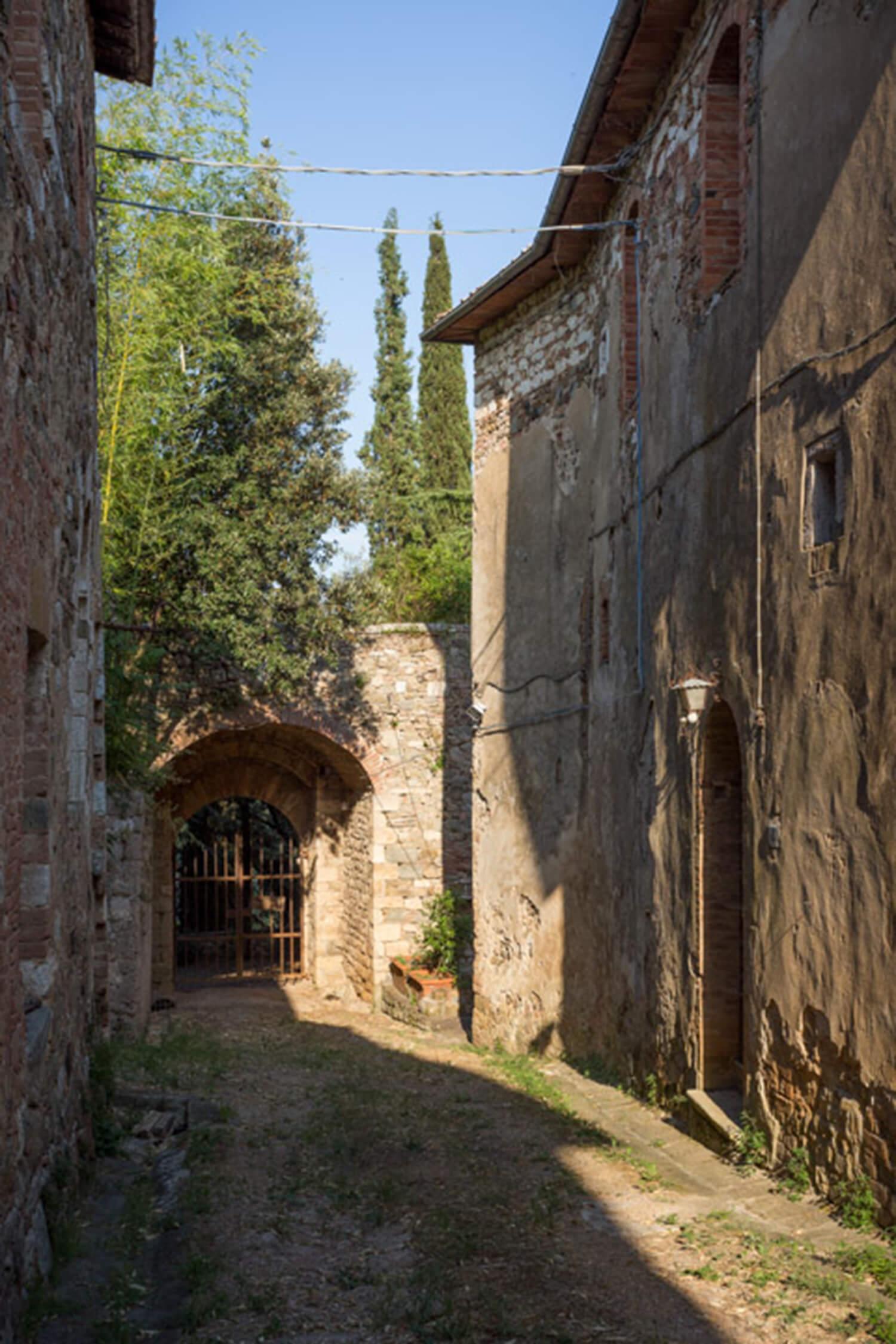 est living tuscan village.01