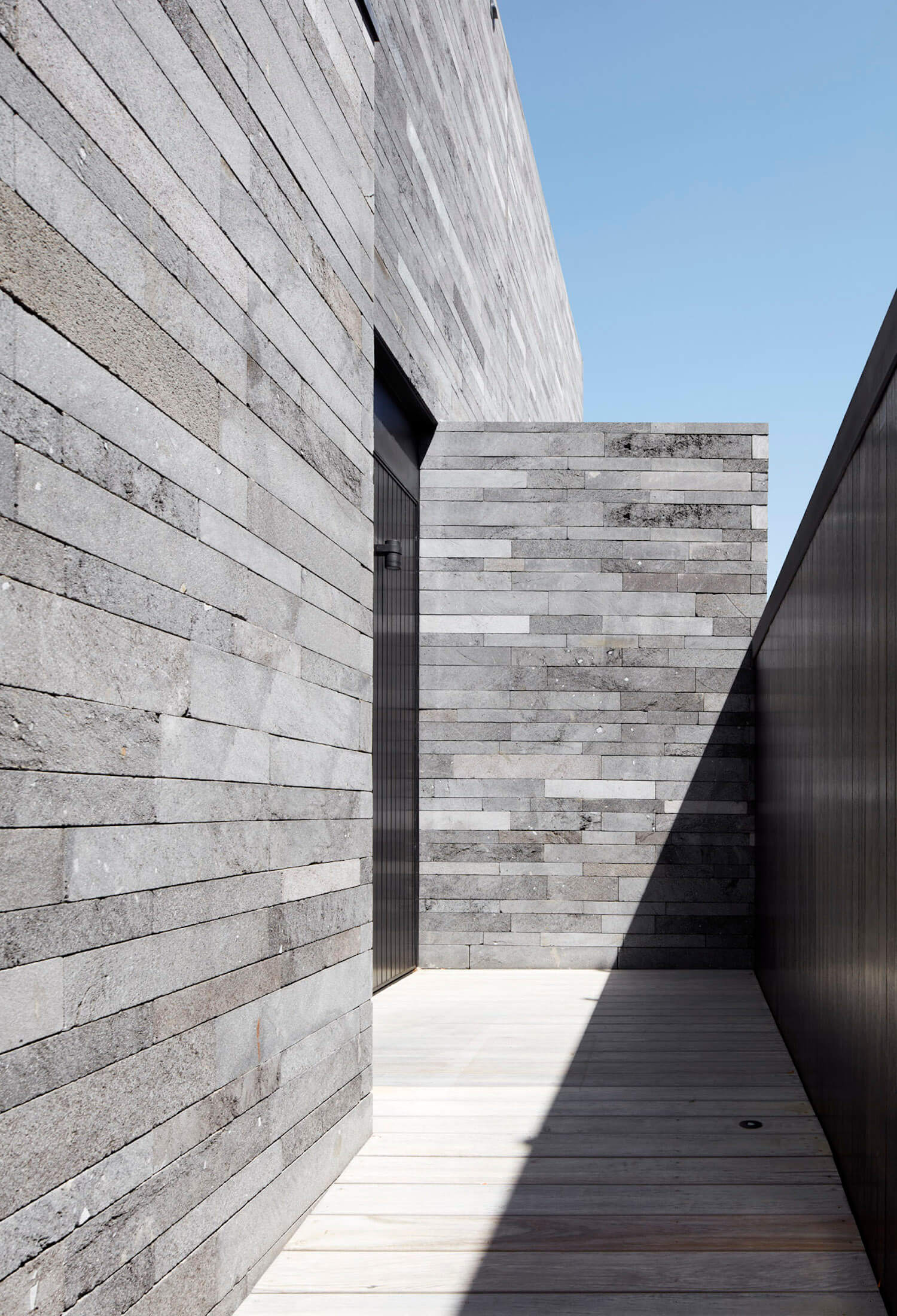 est living b.e architecture canterbury road residence 1