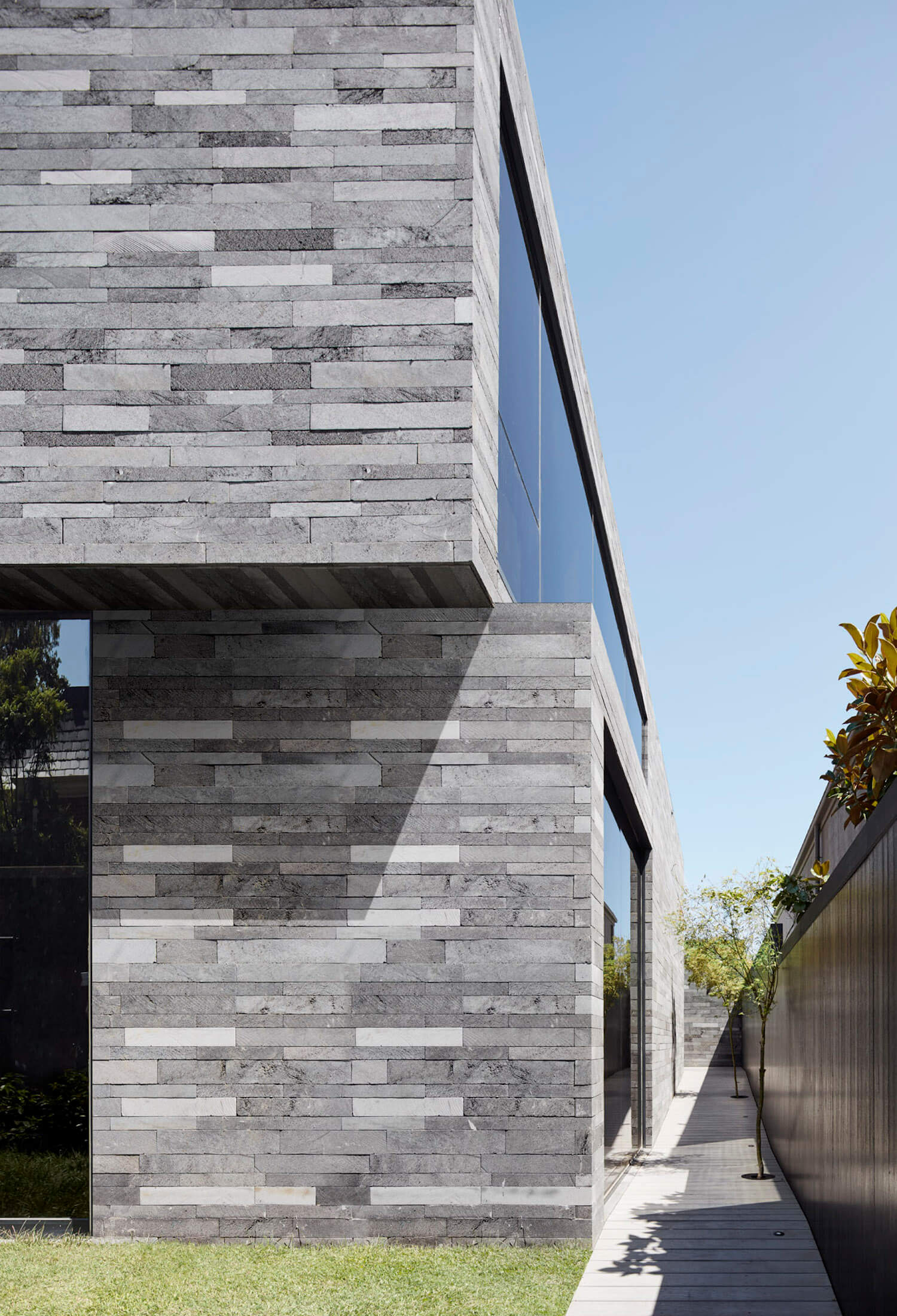 est living b.e architecture canterbury road residence 3