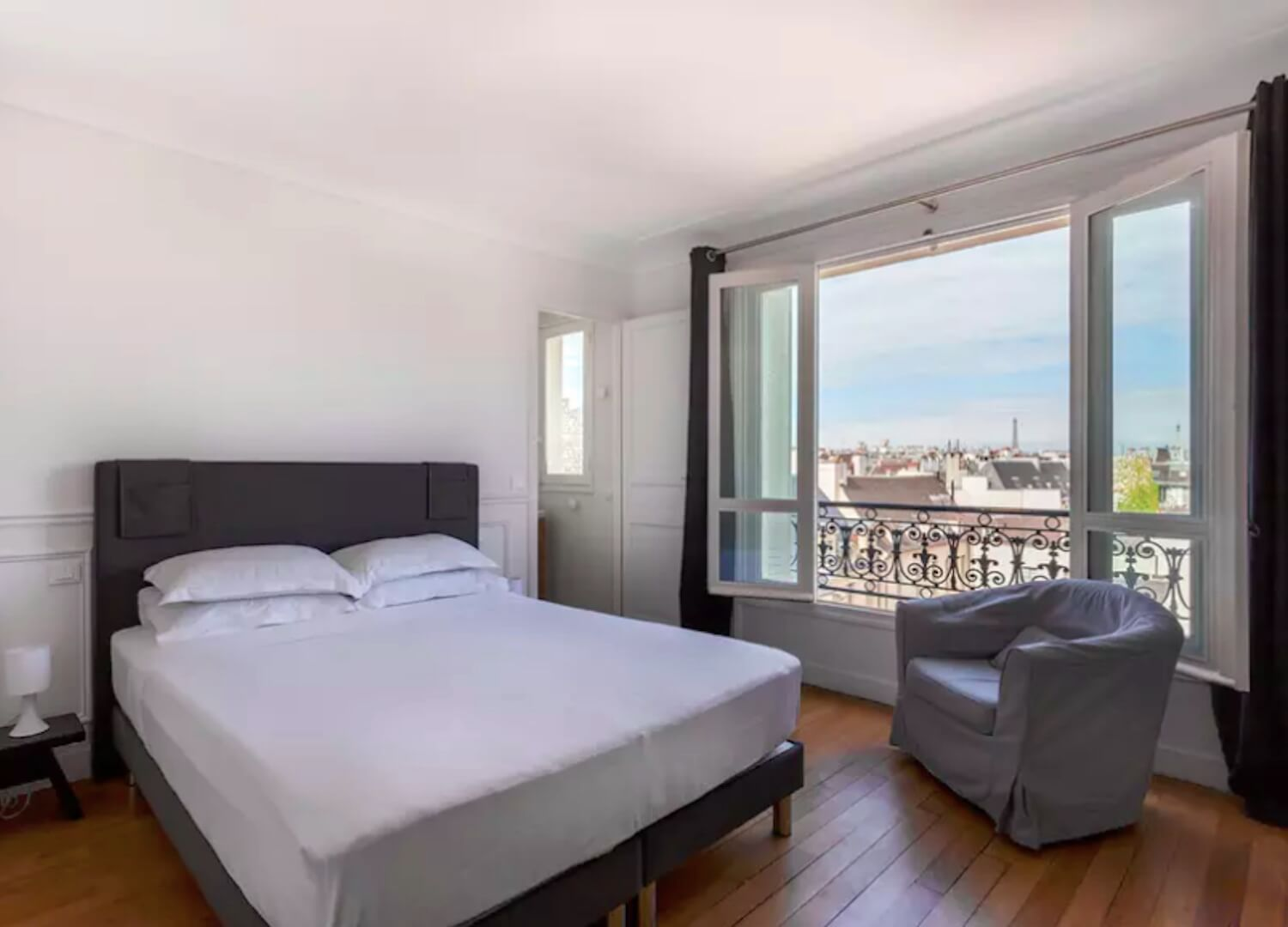 est living travel paris guide homes left bank quai de la tournelle 4
