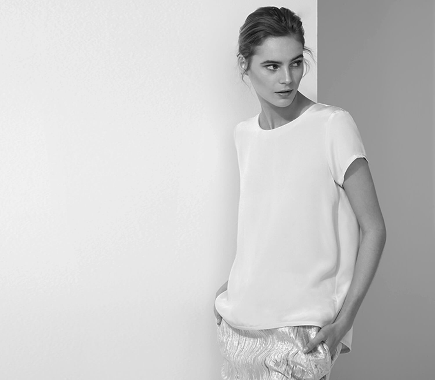 est living gift guide her cuyana silk tee