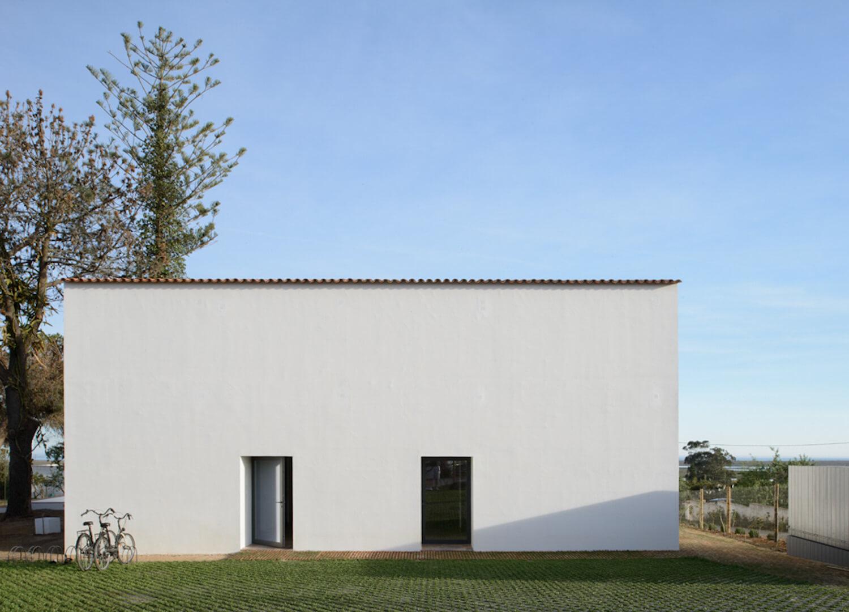 est living travel casa modesta portugal 11