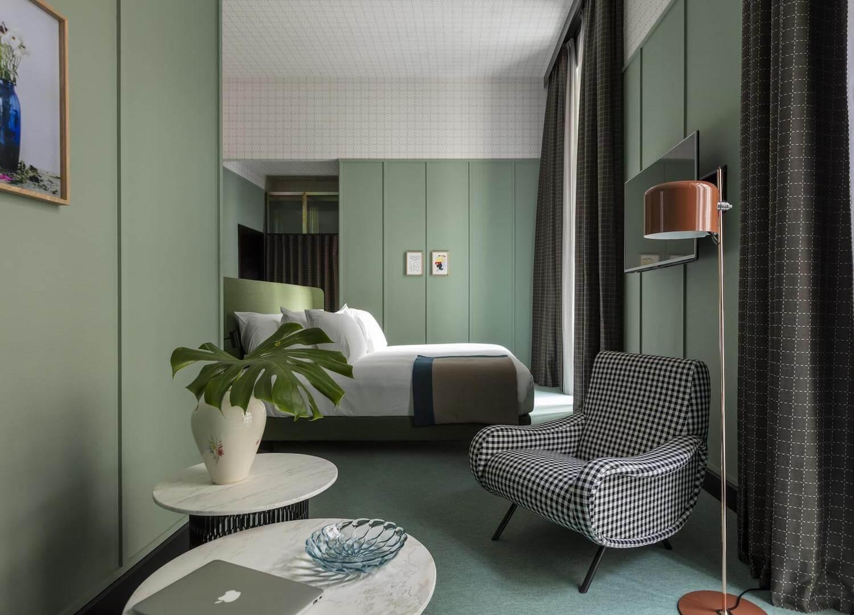 est living travel room mate giulia 1