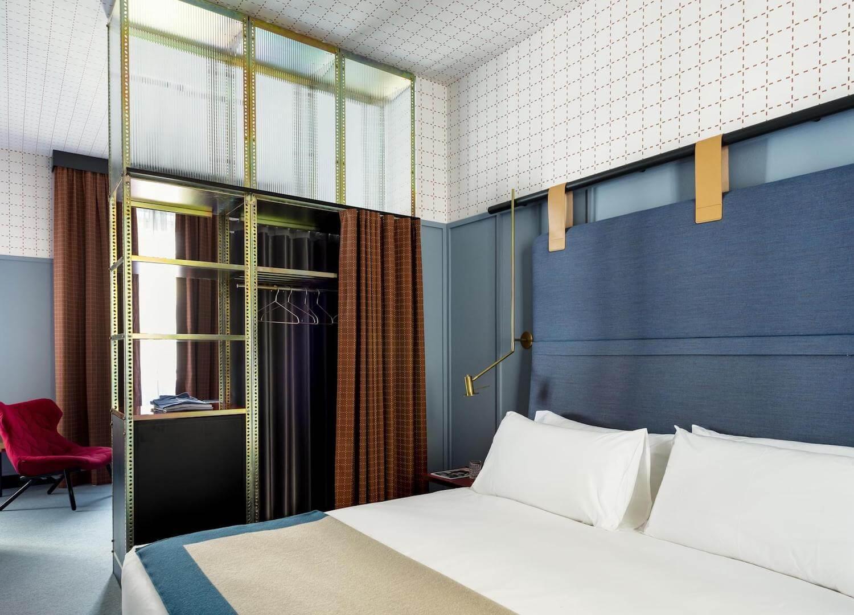 est living travel room mate giulia 10