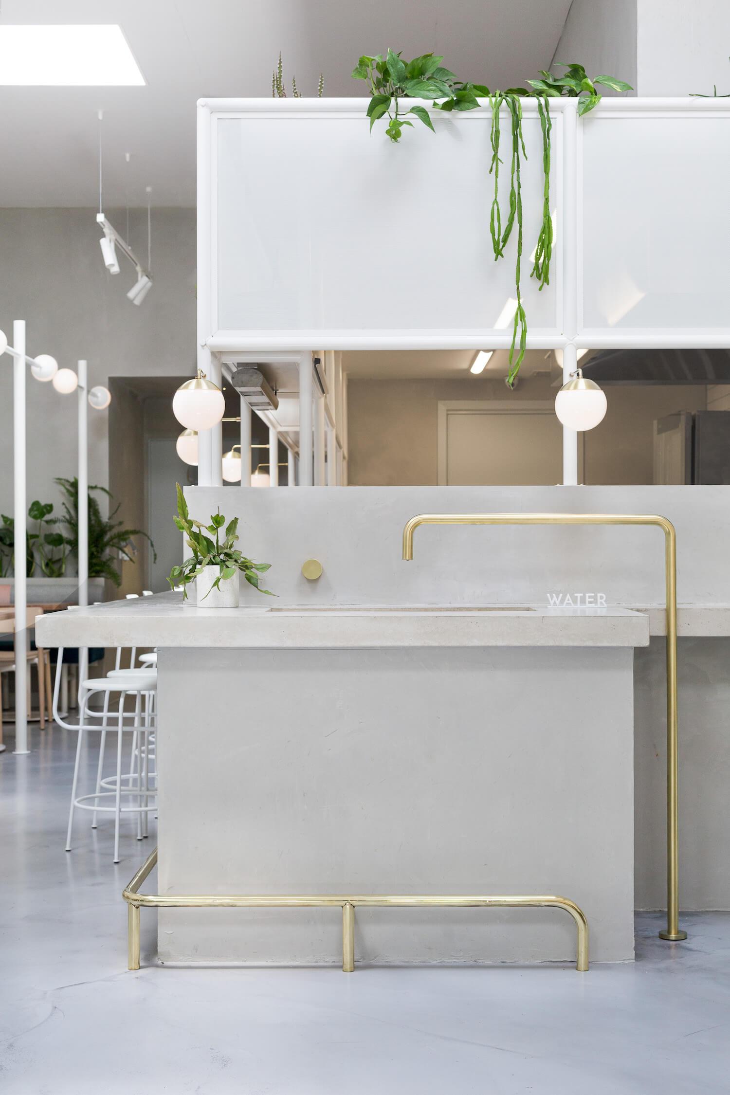 est living design covet biasol no 19 17