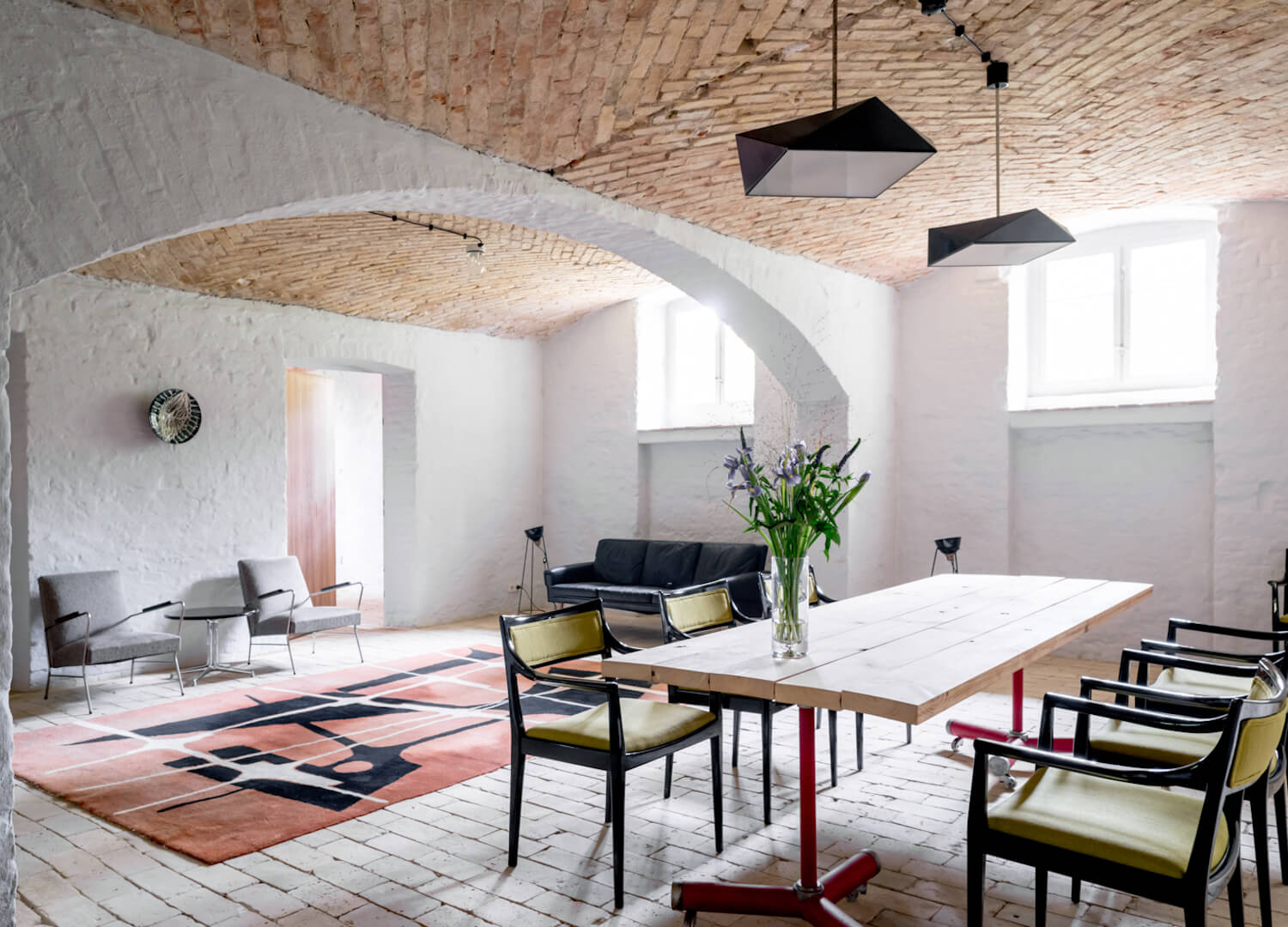 est living interiors berlin summer house loft kolasinkina 15