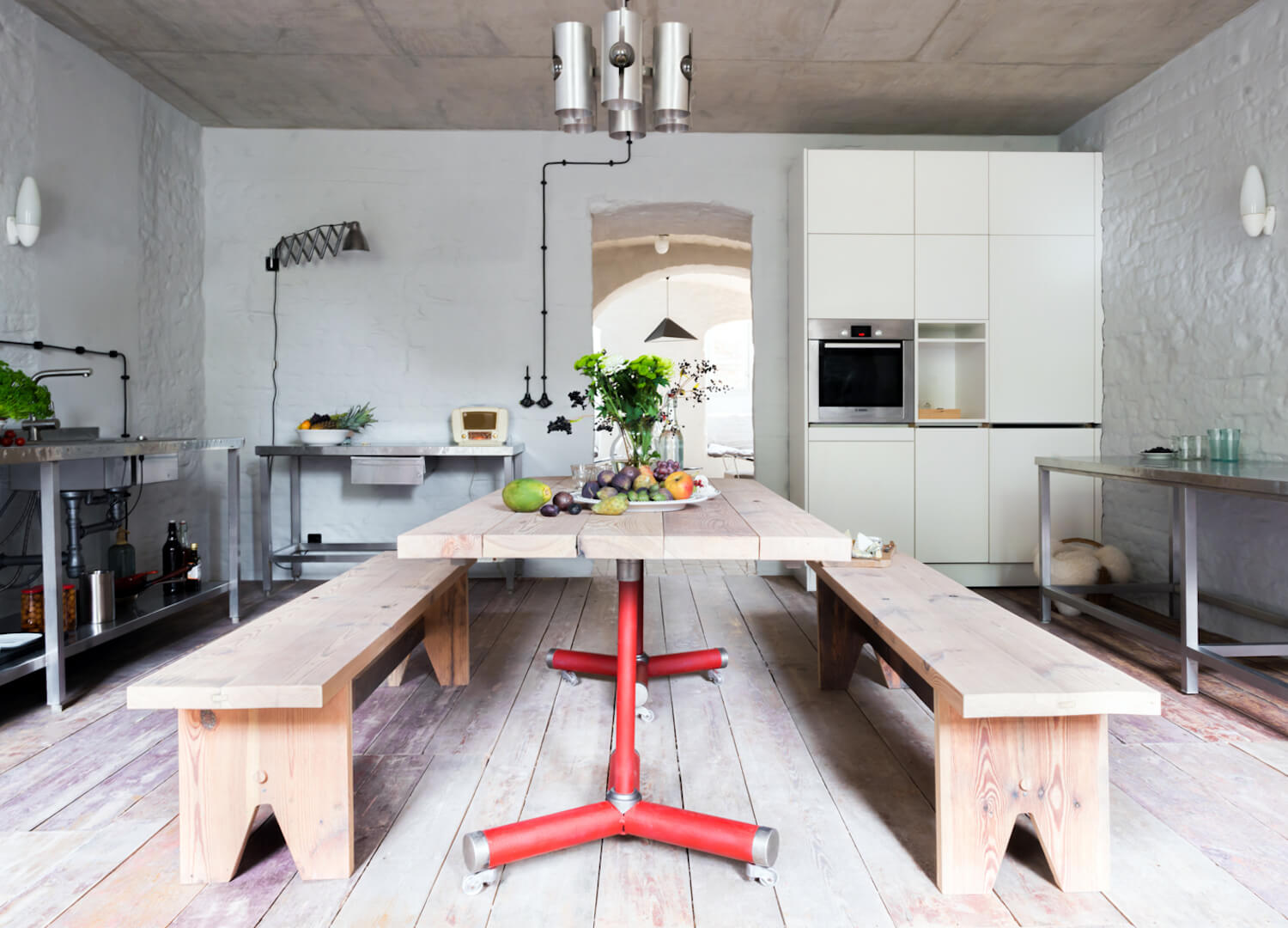 est living interiors berlin summer house loft kolasinkina 4