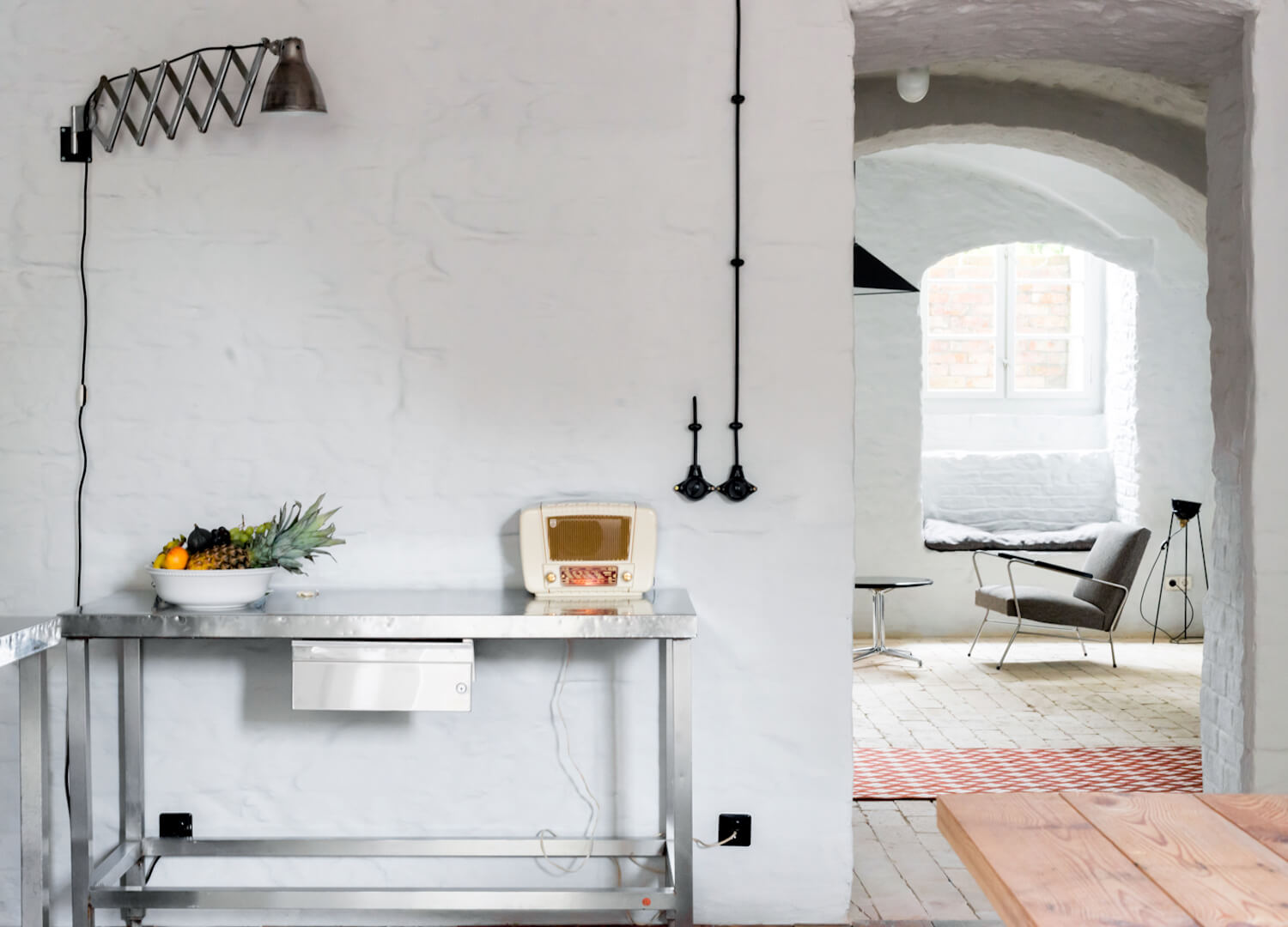est living interiors berlin summer house loft kolasinkina 6