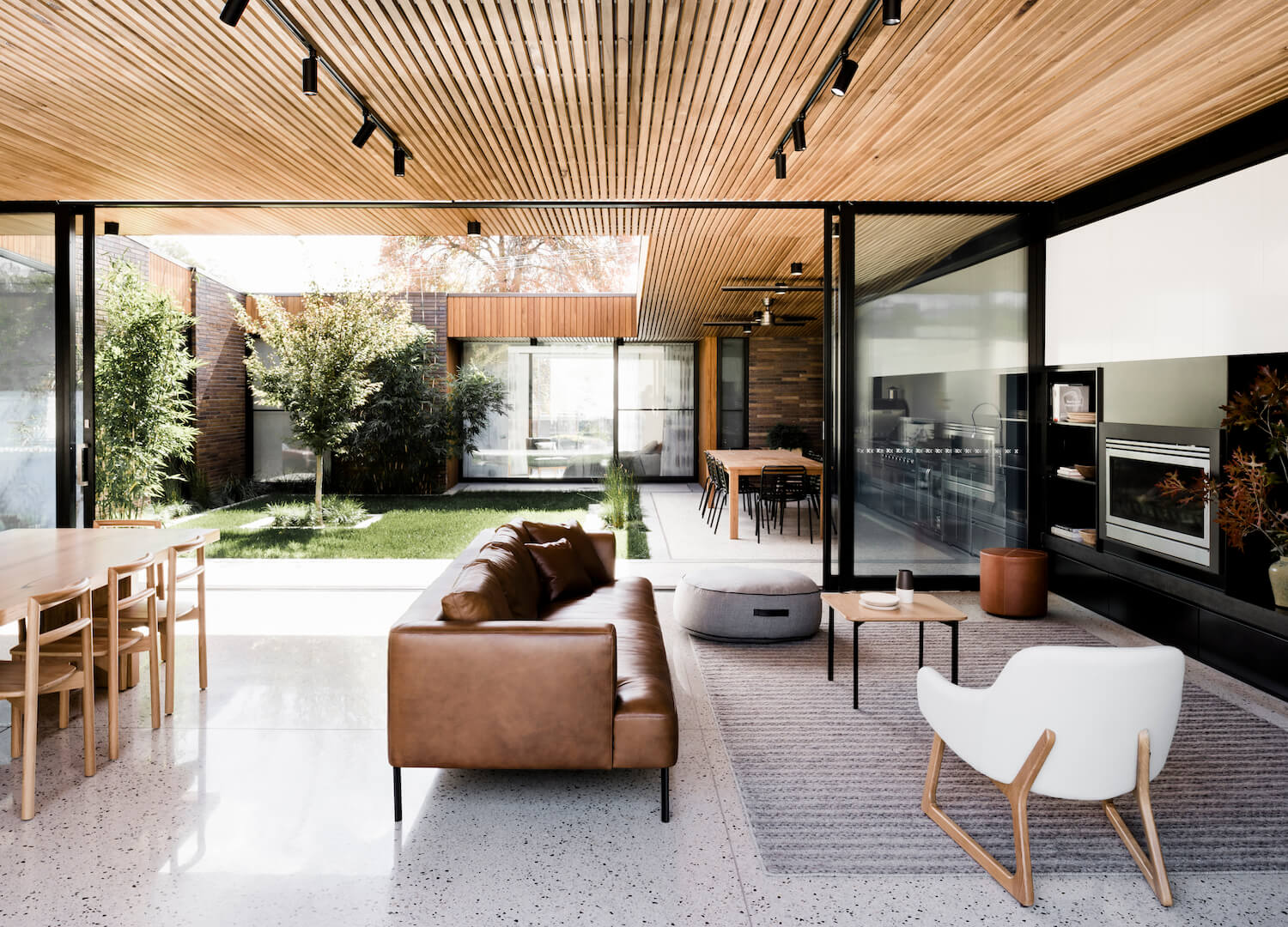 est living interiors figr architecture courtyard house 4