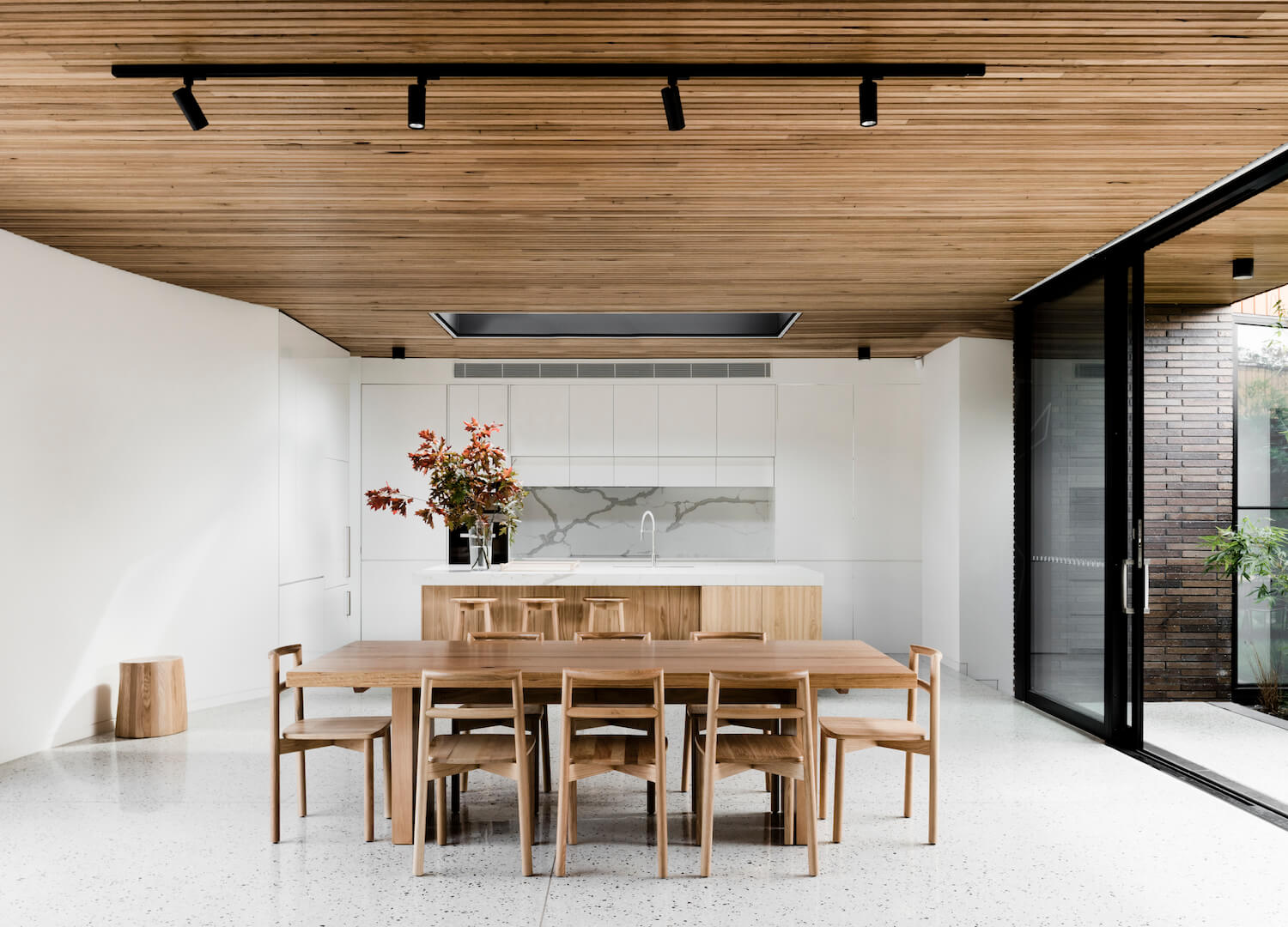 est living interiors figr architecture courtyard house 9