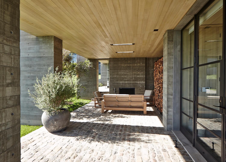 est living interiors denise kuriger design malibu house 13