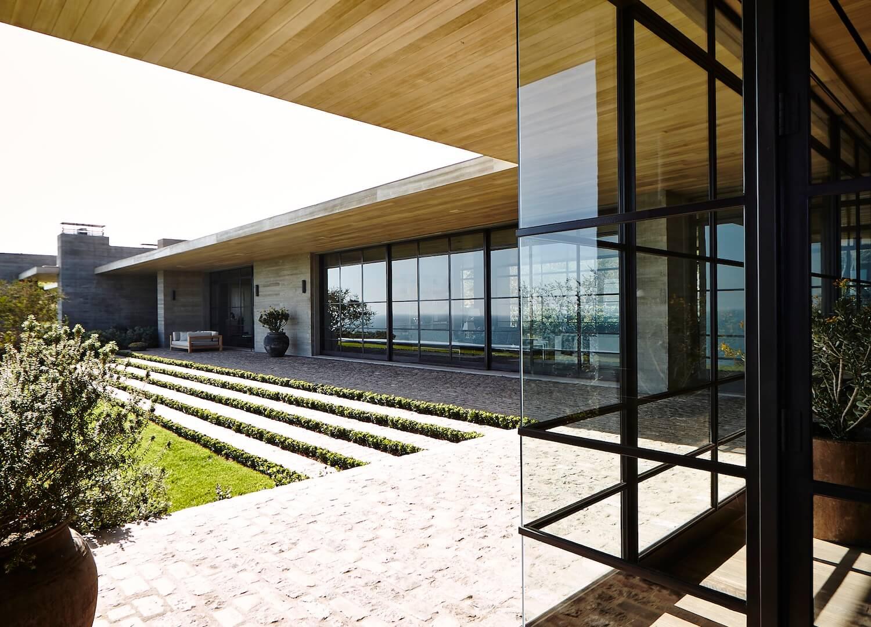 est living interiors denise kuriger design malibu house 14