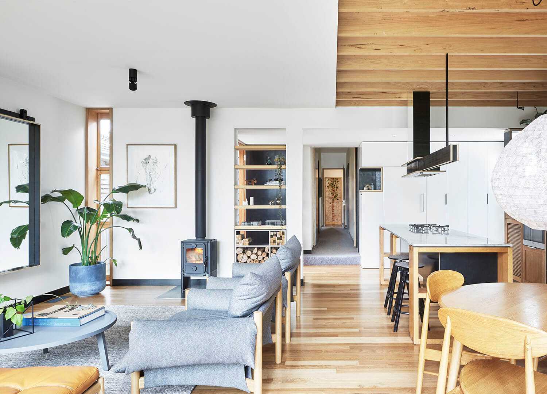 est living wooden box house 01