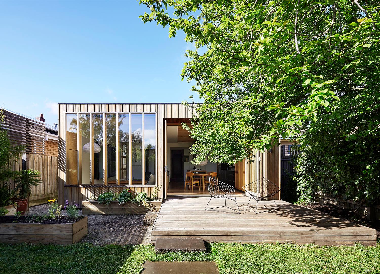 est living wooden box house 08