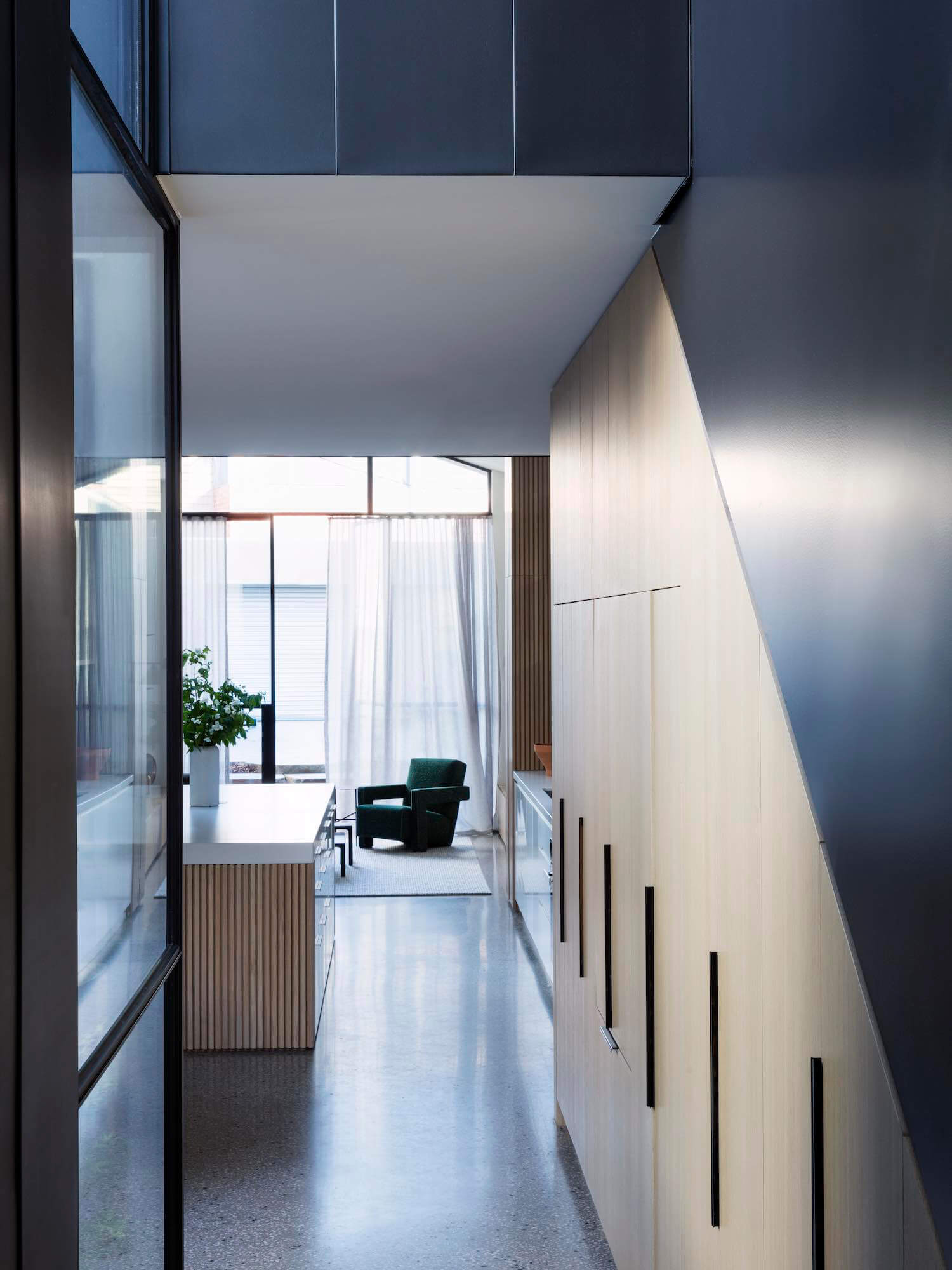 Est living port melbourne house pandolfini architects 11