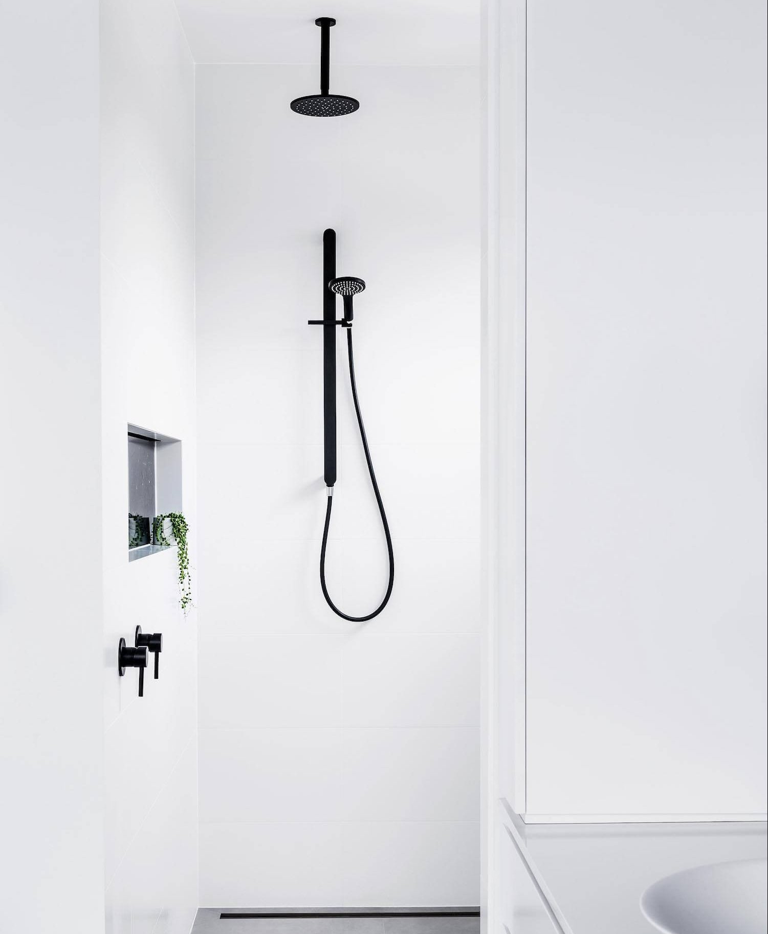 est living abey shower 1 e1505977000889