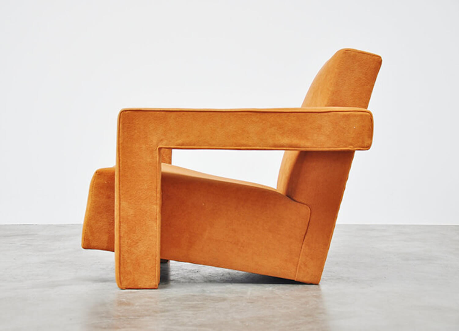 est living cassina utrecht armchair