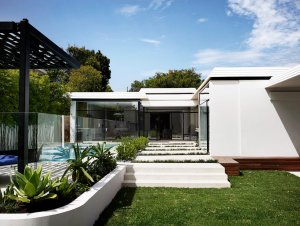 A Mid-Century Sensation by Mim Design