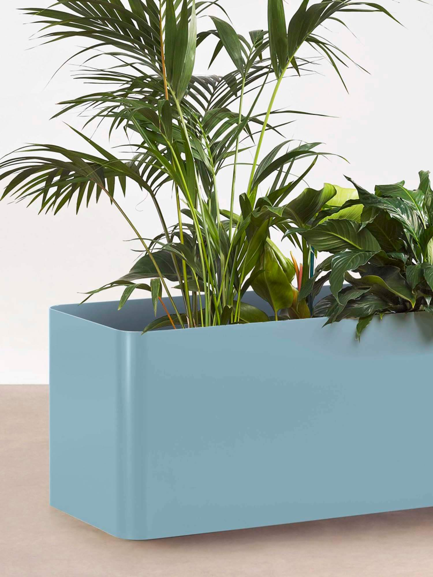 Est Living Get the Look Entertaining Outdoors Tait Softline Planter